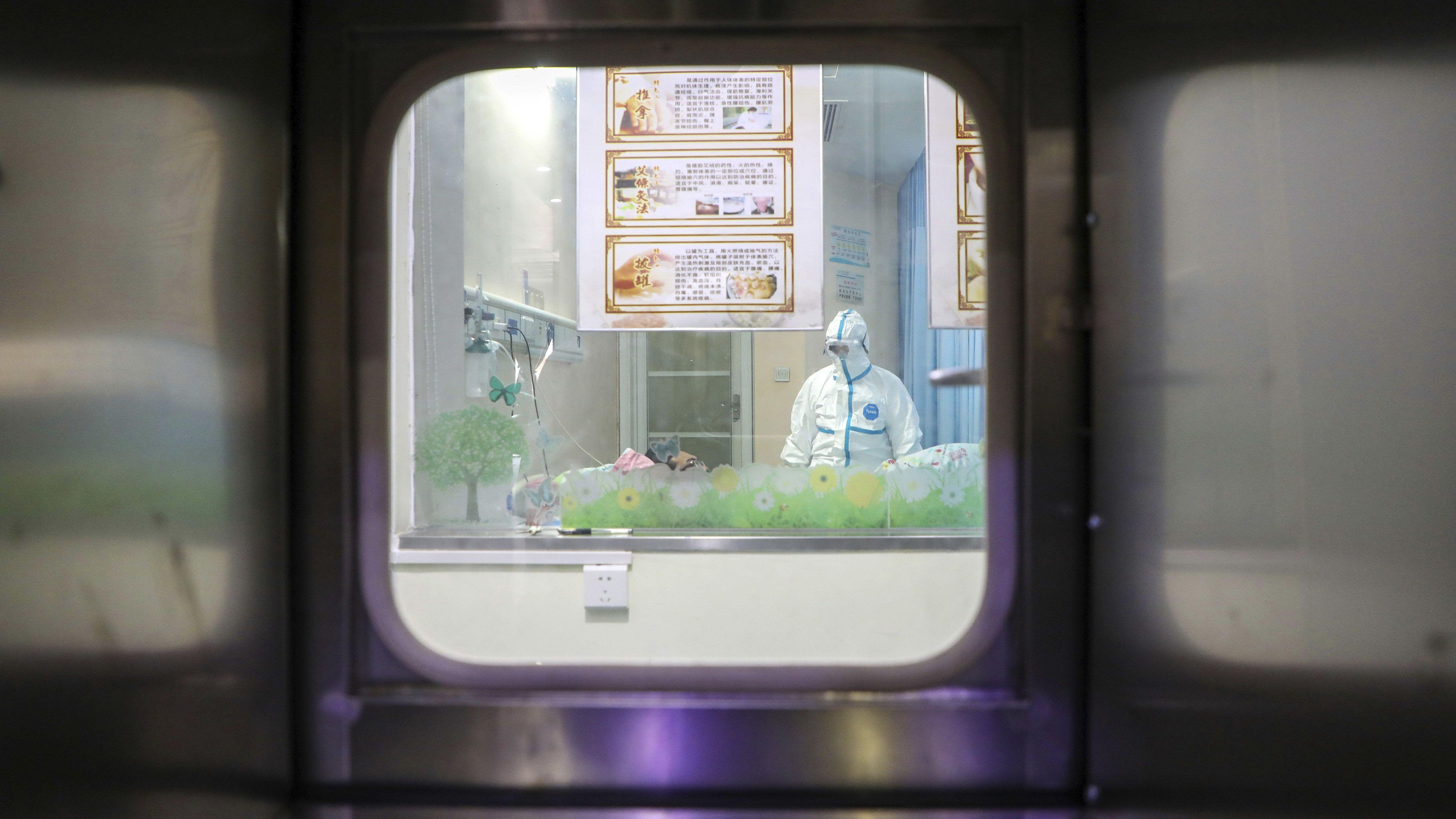Megjelent Angliában a koronavírus   hu