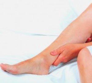 vörös láb jelent meg a lábán járás után