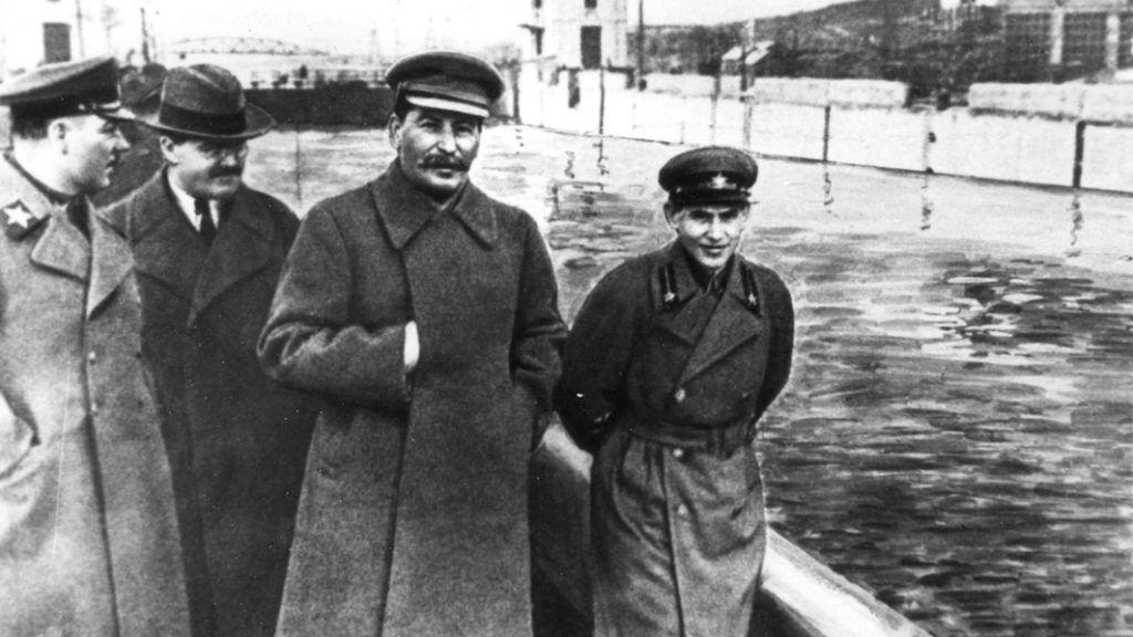 aki Sztálint pikkelysömörrel kezelte)