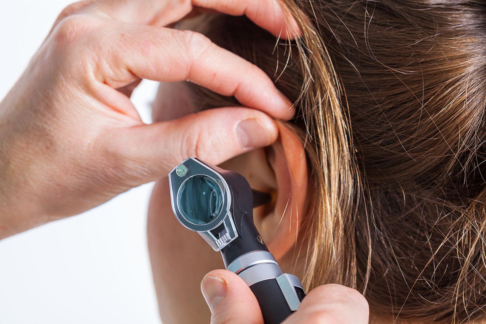 lehet-e gyógyítani a fej és a fül pikkelysömörét otthon pikkelysömör gyógyítható