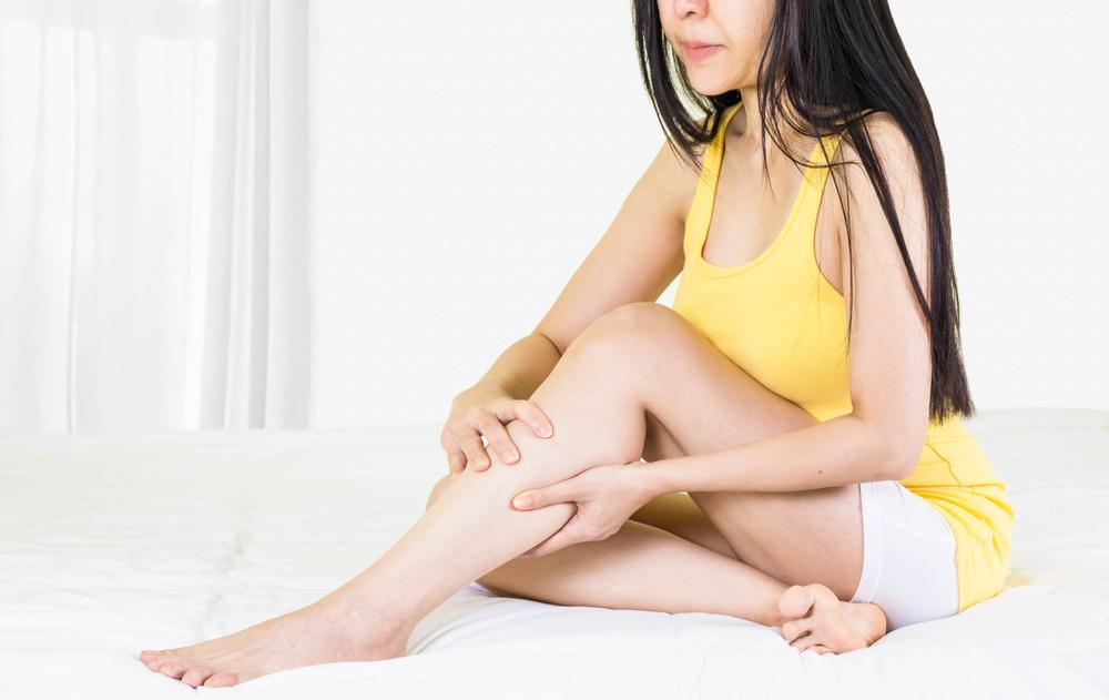 zúzódás után vörös foltok jelentek meg a lábán a pikkelysömör kezelésének súlyosbodása